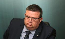 Цацаров насмете Силвия Великова за твърденията ѝ за натиск върху БНР