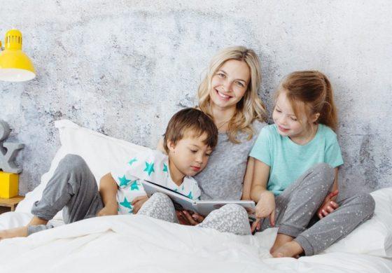 Защо е важно да четем на детето от книга, а не от таблет