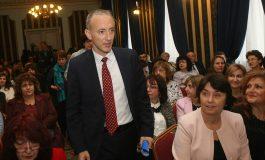 45% от учителите у нас се пенсионират, притеснен Вълчев