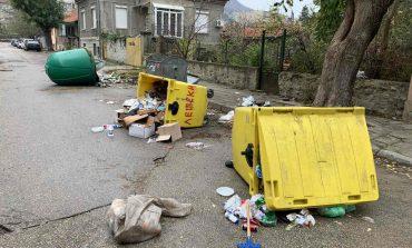 Провадия осъмна с обърнати казани за боклук. След бързата намеса на кмета Жоро Илчев, реда беше въстановен
