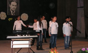 Ученици от Суворово отбелязаха 110 г. от рождението на Никола Вапцаров