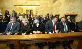 """Светкавично: Конституционният съд се захваща с """"импийчмънта"""" на президента"""