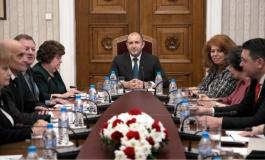 """Президентът: """"Договорки"""" за измененията в Конституцията правя единствено с българските граждани!"""