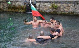 Варненец спаси Разпятието от водите на рeка Девненска