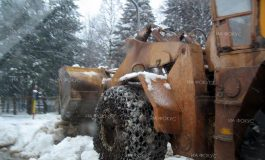 Снегонавявания затрудняват движението по пътищата Ветрино – Неофит Рилски и Вълчи дол – Суворово