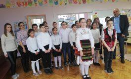Деца от Ветрино честваха 147 години от обесването на Апостола (снимки)