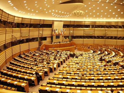 ЕП няма да заседава в Страсбург до септември заради COVID-19