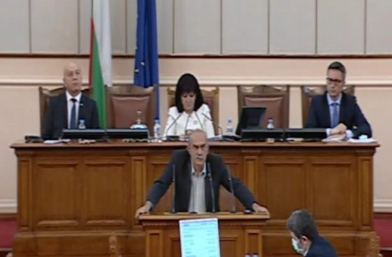 """Атака"" по време на дебатите за ветото: Единението намирисва на сделка"