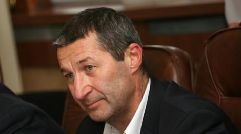 Повдигнаха обвинение на Владимир Каролев за неспазване на карантината
