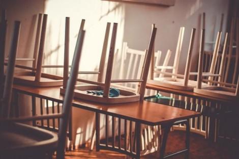 МОН: Училището от вкъщи вероятно ще се удължи