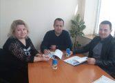 Кметът на Суворово подписа договор за изграждане на кръгово кръстовище
