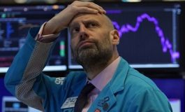 """Анализатори: Китайският капиталов пазар се превръща в """"Ноев ковчег"""" за инвеститорите"""