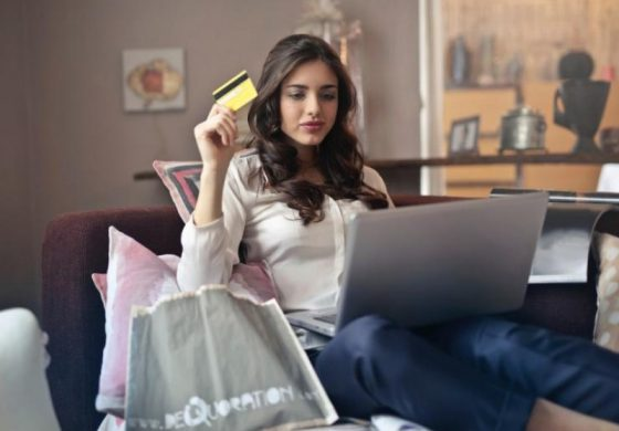 Безопасно ли е да пазаруваме онлайн по време на пандемия?