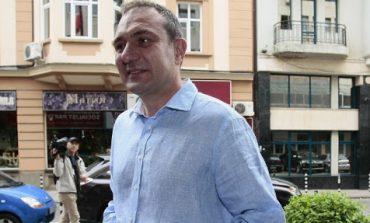 Борислав Гуцанов онагля! Пак се взе за безсмъртен и отказа да спазва карантината!