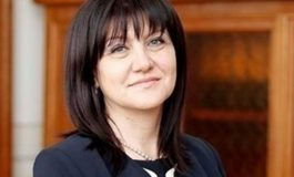 Караянчева: Сгреших, замразяването на депутатските заплати не е популизъм. Извинете!