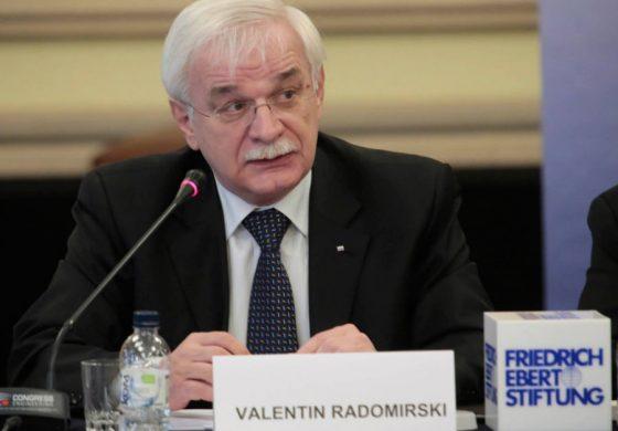 Валентин Радомирски: Коронавирусът като сценарий, или чака ли ни нова ера