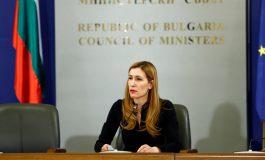 Министър Ангелкова: От 13 май започва поетапно отваряне на къщите за гости и малките хотели