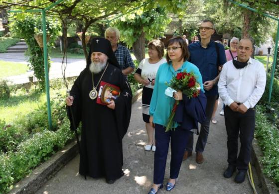 Корнелия Нинова се срещна с Великотърновския митрополит Григорий