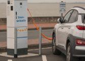 Германия задължава всяка бензиностанция да има и е-зарядна станция