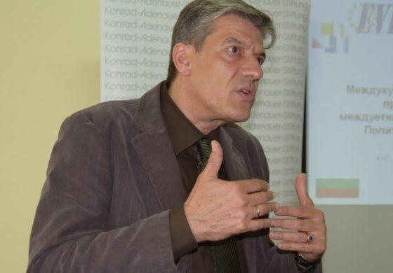 Гълъбов: България в момента няма президент, Радев предизвика тежък институционален проблем