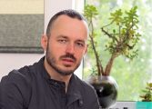 Стойчо Стойчев: Цял ден Божков води логистиката на протеста, има координация с действията на Радев