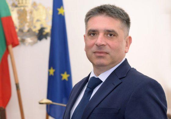 Данаил Кирилов подаде оставка след разговор с Борисов