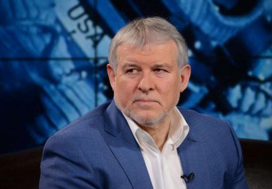 Румен Христов: Няма как десни хора да протестират рамо до рамо с привърженици на Съветския съюз
