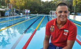 Цанко Цанков успя! Българинът подобри световния рекорд за 12-часово плуване