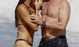 След романтична ваканция: Джерард Бътлър заряза гаджето