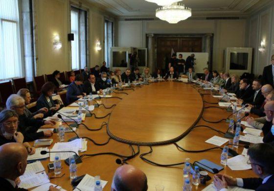 БСП, ДПС и ОП отхвърлиха искането на Борисов половината депутати във ВНС да се избират мажоритарно