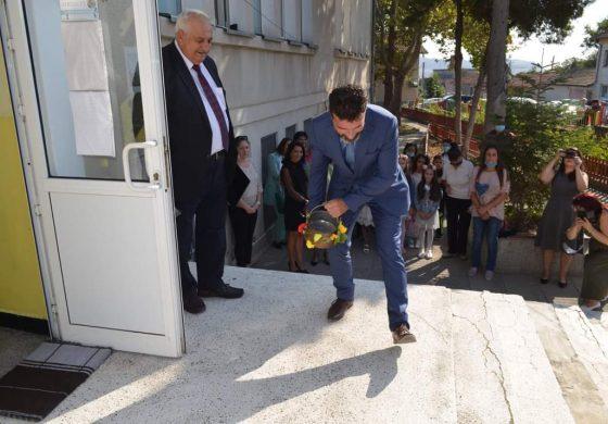 """Кметът Свилен Шитов откри учебната година за учениците в Девня и """"Повеляново"""""""