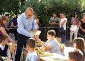Кметът на Община Ветрино д-р Димитър Димитров поздрави всички първокласници, учители, ученици и родители по повод първият учебен ден