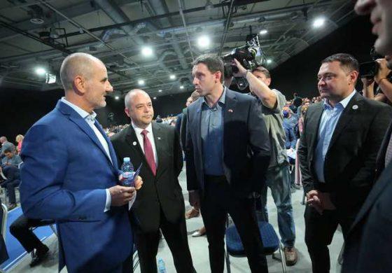 """Цветанов няма да вкара """"РБ"""" в НС. Борисов му направи показно с Пламен Нунев"""