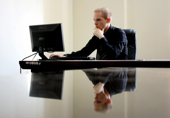 Търсят се шефове за 21 държавни фирми