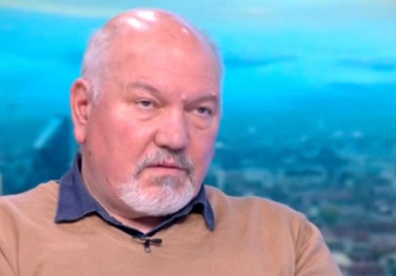Проф. Александър Маринов: Радев няма да се моли и да преговаря за нечия подкрепа за втори мандат