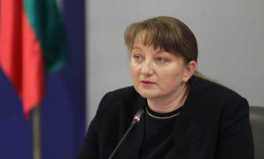Деница Сачева отговори на Радев: Това е бюджет за хората