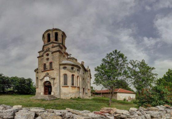 На село в Чайка – история за вярата, за храма на село, за ентусиазма и доброволния труд