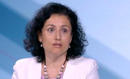 Танева: Обвиненията на министър Емил Димитров са безпочвени, за първи път чувам за война с МРРБ