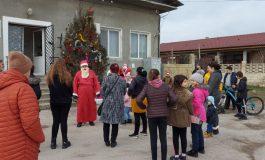 Дядо Коледа раздаде лакомства на децата от Слънчево