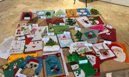 Деца твориха коледни картички в община Бяла (СНИМКИ)