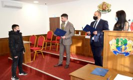 Свилен Шитов връчи грамоти и награди на най-изявилите се през 2020 година спортисти на Девня