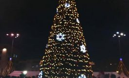 Грейнаха светлините на коледната елха в община Дългопол