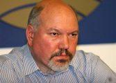 Между редовете! Александър Маринов тънко намекнал социалистите да не се бавят с подкрепата си за Румен Радев