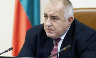 Заседание при Борисов: Заведенията може да заработят с 50% капацитет, обмислят отваряне на моловете