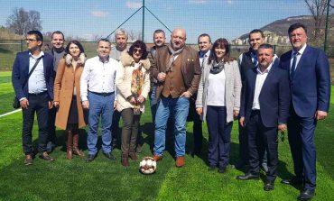 Министър Кралев, кмета Жоро Илчев и Димо Димов откриха модерно игрище за мини футбол и зона за фитнес на открито в Провадия