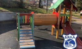 Ремонтират парковите пространства в Бяла