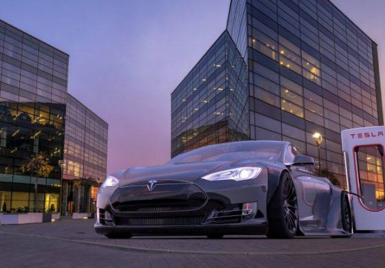 Да хакнеш Tesla от дрон? Да, напълно е възможно