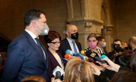 Митов отвръща на удара: Радев вкарва БСП във властта през задния вход