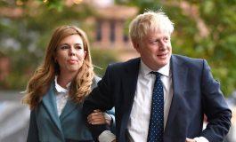 Борис Джонсън: Връщаме нормалния живот, връщаме прегръдките
