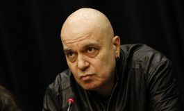 Слави Трифонов се появява на живо, среща се със студенти от Пловдив